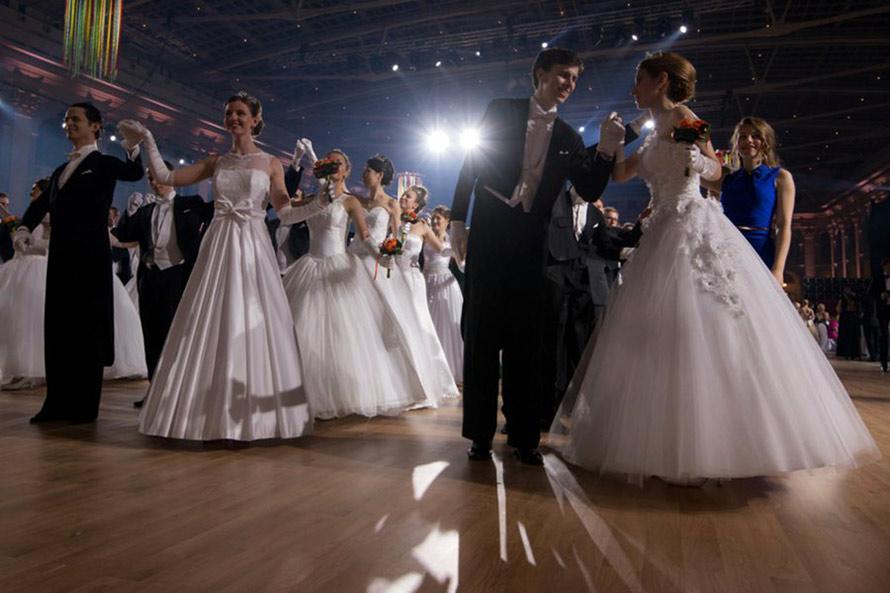 Фото бальных платьев