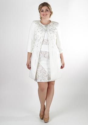 Стильный пиджак молочного цвета для женщин 40+. Салон GraceEvening