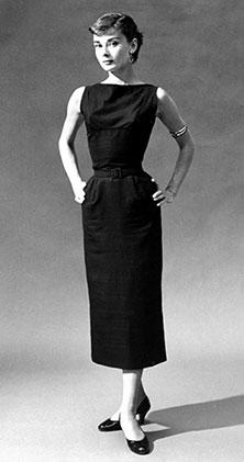 Одри Хепбёрн в облегающем платье от Юбера Живанши