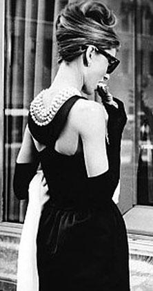 Одри Хепбёрн в элегантном платье от Живанши