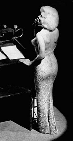 Мэрилин Монро в знаменитом платье на дне рождения президента Кеннеди