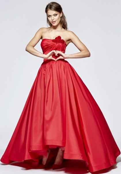 Роскошное красное платье для бала Tarik Ediz