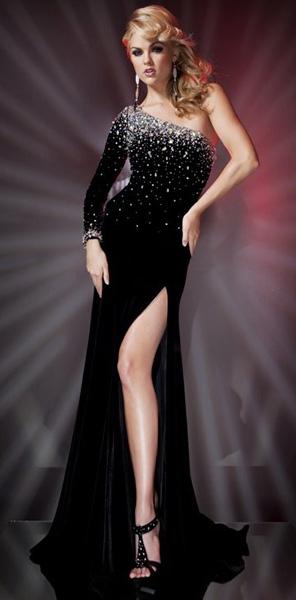 Черное платье с длинным рукавом Tony Bowls