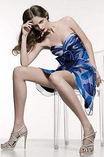 Воздушное короткое шелковое платье