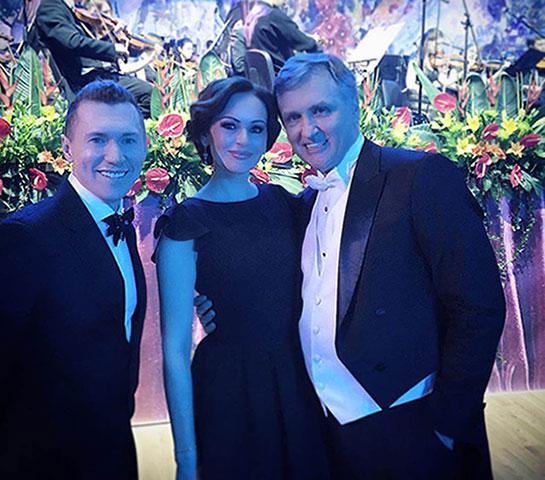 Ирина Безрукова в элегантном вечернем платье