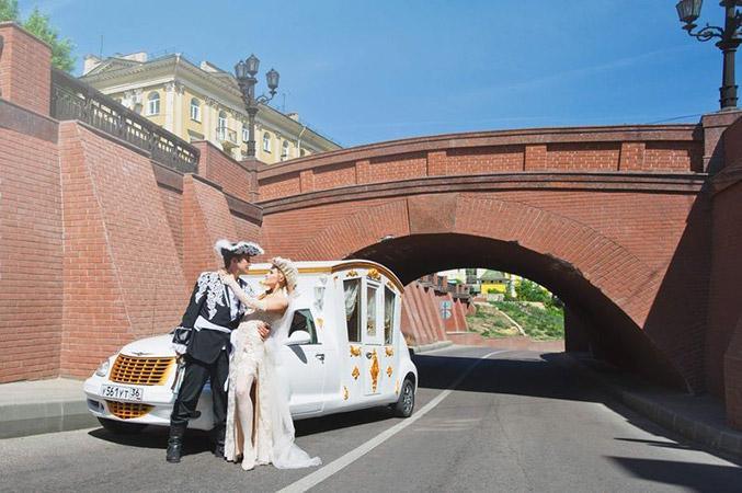 Каменный мост. Фото свадебные вечерние платья в Воронеже
