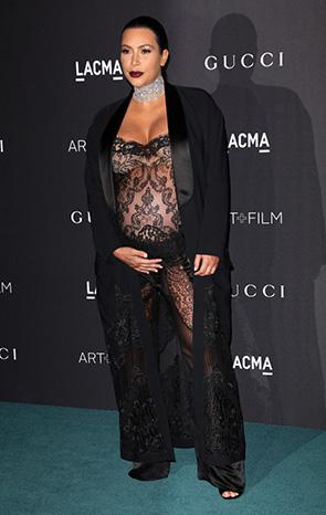 Ким Кардашьян в черном кружевном платье. Блог GraceEvening