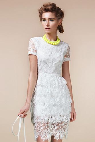 Белое кружевное платье с воланами. Салон GraceEvening