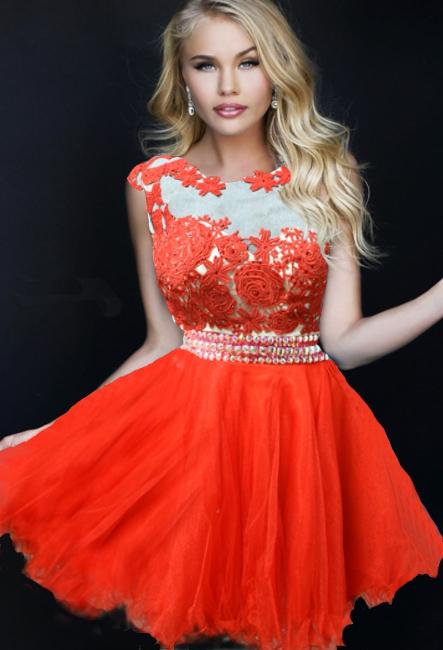 Вечернее красное платье или юбка