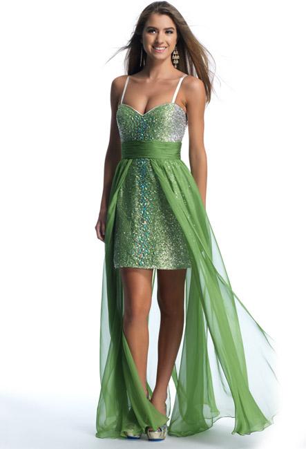 Платье короткое снизу и длинная ткань сверху