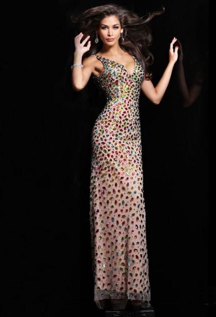 Вечернее дорогое платье силуэт