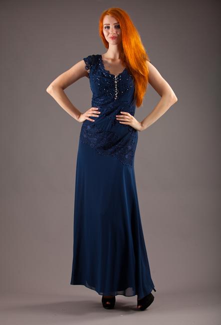 Синее платье в пол на полных